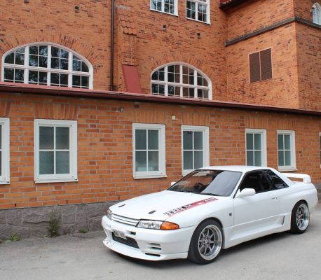 Nissan Skyline GTR R32 featuring 18x10.5 CP25 Wheels Hyper Black Finish with 265/35-18 Achilles Tires